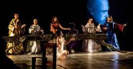 Głośny spektakl Pawła Passiniego wraca do Teatru Maska. Po przestawieniach spotkania z reźyserem