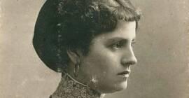 """""""Dama z kotylionem"""" - innowacyjna wystawa i bal kotylinowy dedykowany Helenie Szajer"""